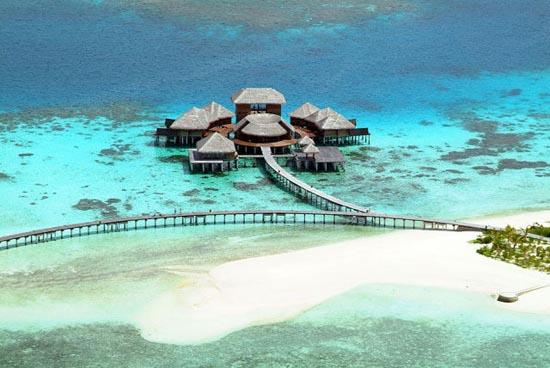Εντυπωσιακό θέρετρο στις Μαλδίβες (12)