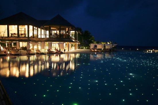 Εντυπωσιακό θέρετρο στις Μαλδίβες (24)