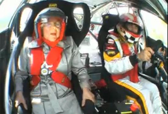 Γιαγιά συνοδηγός σε αγωνιστικό Seat Leon