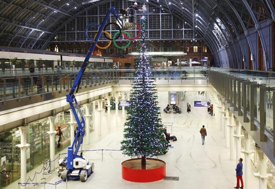 Το μεγαλύτερο χριστουγεννιάτικο δέντρο από Lego στον κόσμο (2)