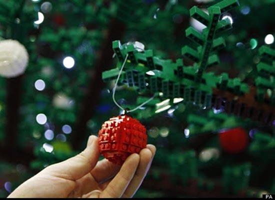 Το μεγαλύτερο χριστουγεννιάτικο δέντρο από Lego στον κόσμο (8)