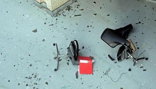 Μια άσχημη μέρα στο γραφείο... (6)