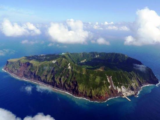 Το μικροσκοπικό νησί Aogashima στην Ιαπωνία (1)