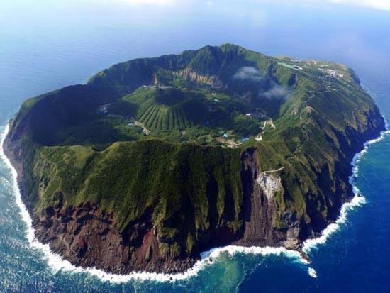 Το μικροσκοπικό νησί Aogashima στην Ιαπωνία (2)