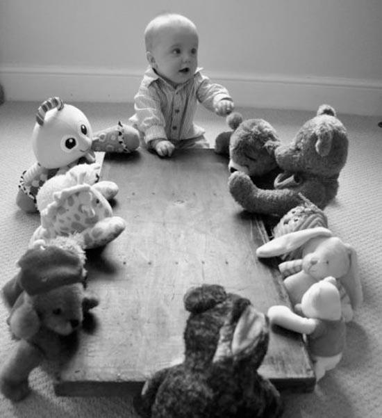 Μωρό κάνει αναπαράσταση διάσημων ταινιών (3)
