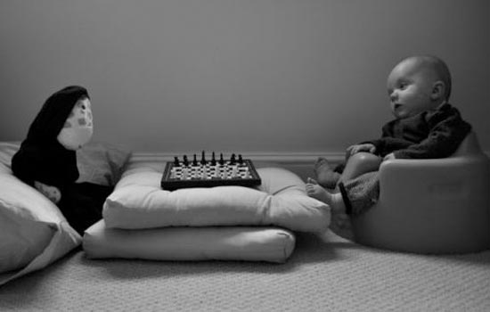 Μωρό κάνει αναπαράσταση διάσημων ταινιών (8)