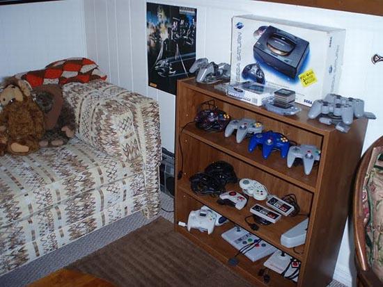 Ρετρό δωμάτιο gaming που ξυπνάει αναμνήσεις (18)