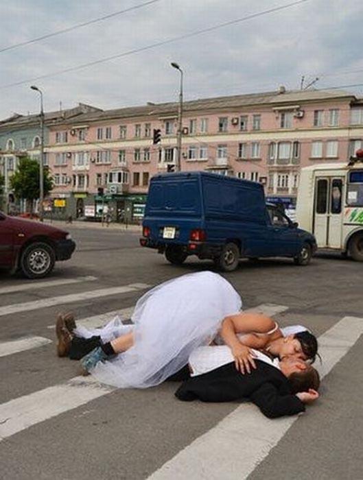 Τρελή φωτογράφιση γάμου στην Ουκρανία (1)