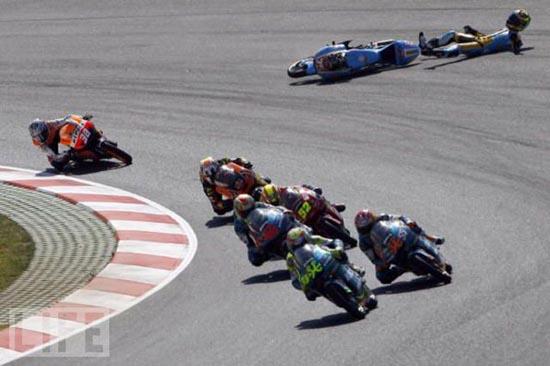 Τρομακτικά ατυχήματα σε αγώνες μοτοσυκλέτας (11)