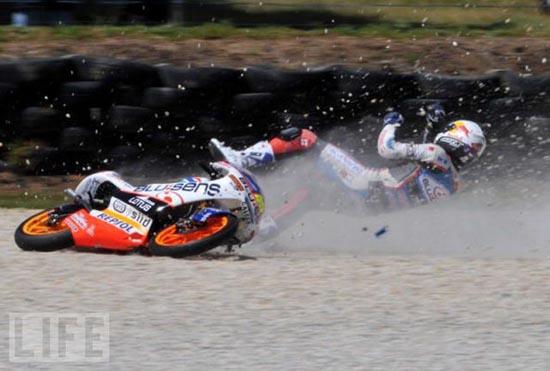 Τρομακτικά ατυχήματα σε αγώνες μοτοσυκλέτας (6)