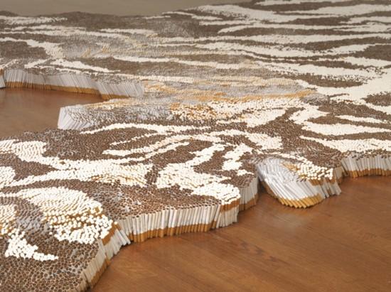 Χαλί τίγρης από 500.000 τσιγάρα (4)