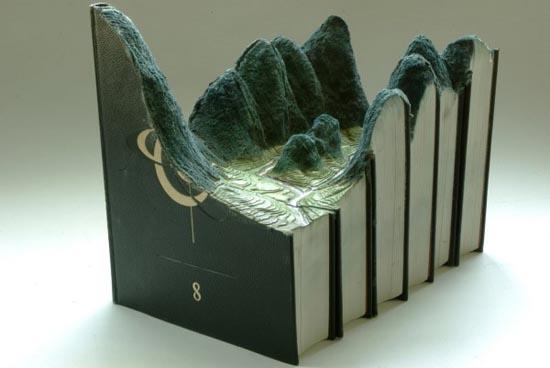 Απίστευτα γλυπτά τοπίων με βιβλία (4)