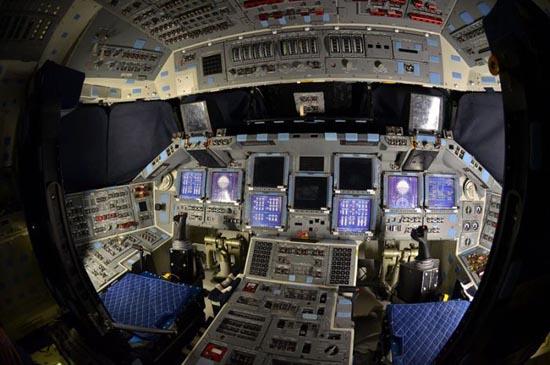 Στο εσωτερικό του διαστημόπλοιου Atlantis (5)