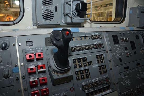 Στο εσωτερικό του διαστημόπλοιου Atlantis (10)