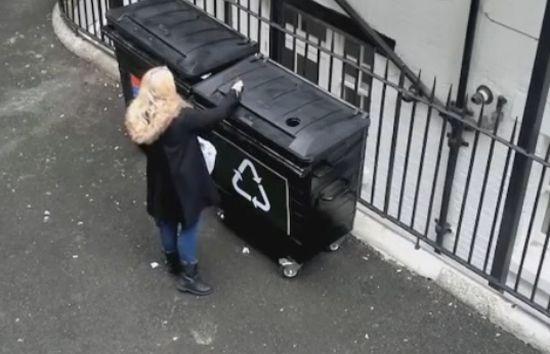 Φάρσα με τον κάδο ανακύκλωσης
