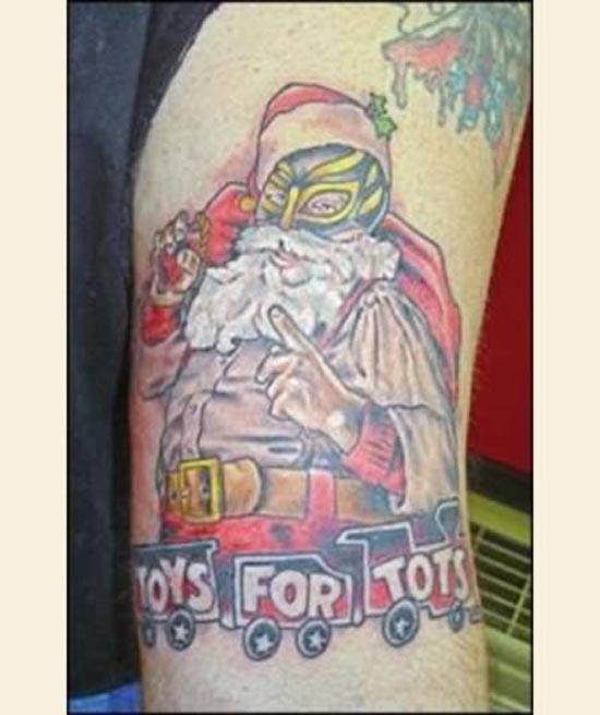 10 θεότρελα χριστουγεννιάτικα τατουάζ (7)
