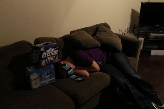 Τι μπορεί να συμβεί αν πιείτε υπερβολικά σε ένα πάρτυ (1)