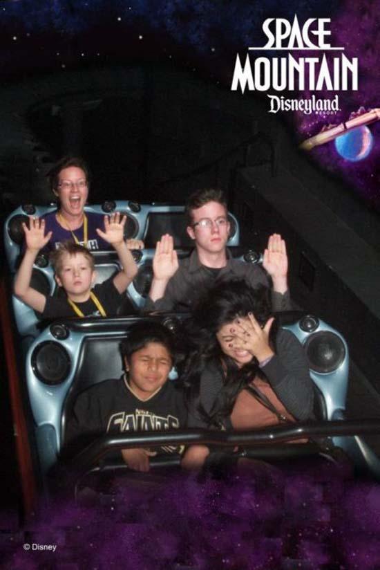 Τρελό ξεφάντωμα στην Disneyland (7)
