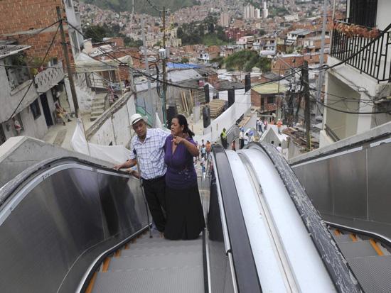 Υπαίθρια κυλιόμενη σκάλα 384 μέτρων στην Κολομβία