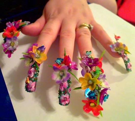 Ασυνήθιστα σχέδια σε νύχια (6)