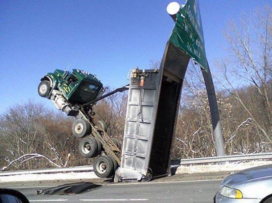 Φορτηγά σκέτη καταστροφή (3)