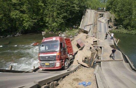 Φορτηγά σκέτη καταστροφή (21)