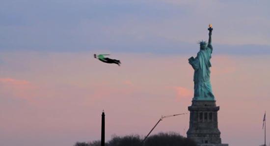 Ιπτάμενοι άνθρωποι στη Νέα Υόρκη! (3)