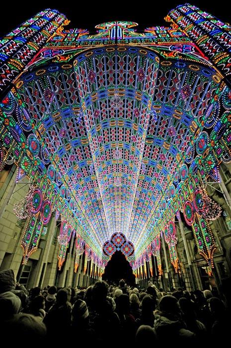 Καθεδρικός ναός από 55.000 φώτα LED (2)