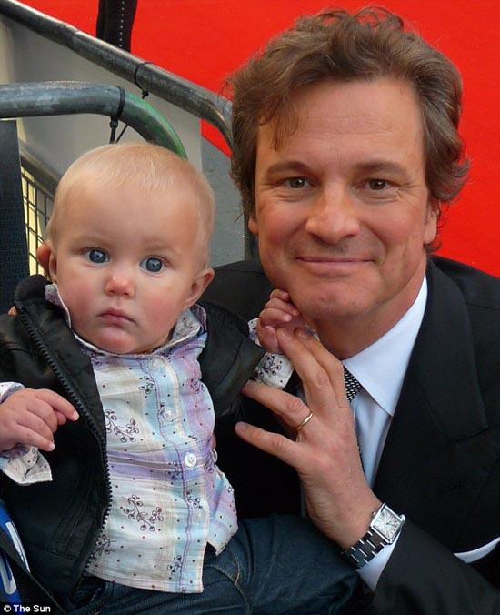 Μωρό ενός έτους έχει γνωρίσει 130 διάσημους (11)