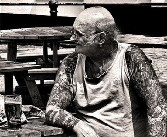 Παππούδες και γιαγιάδες με τατουάζ (4)