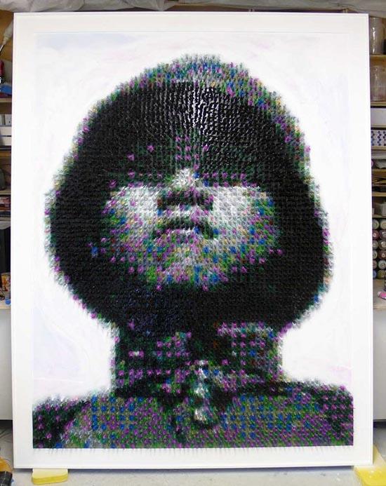 Εκπληκτικό πορτραίτο στρατιώτη από 5.500 στρατιωτάκια | Otherside.gr (1)