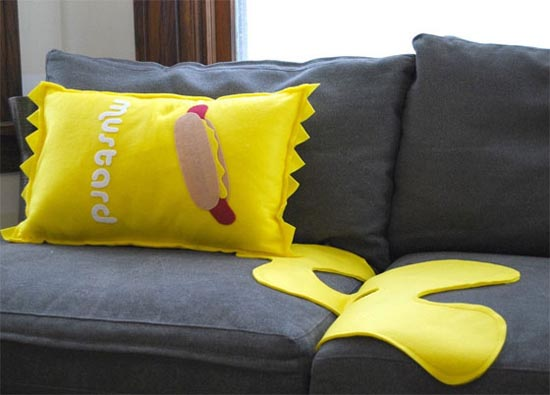 Μια συλλογή με τα πιο απίθανα μαξιλάρια! (9)