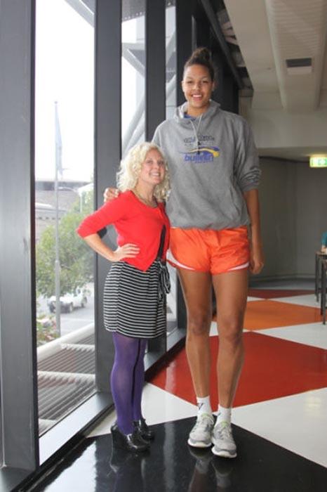 Οι ψηλότερες γυναίκες του κόσμου (20)