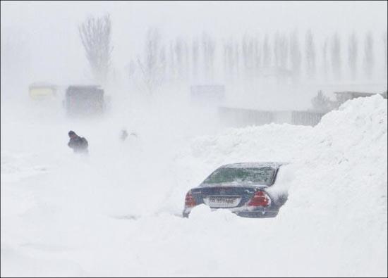 Τρομακτική χιονόπτωση στη Ρουμανία (3)