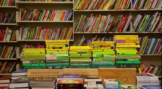 Τι συμβαίνει στα βιβλιοπωλεία τη νύχτα;