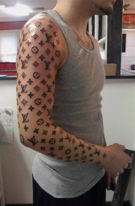 kamikazi.gr - Τα 11 χειρότερα τατουάζ του 2011(3)