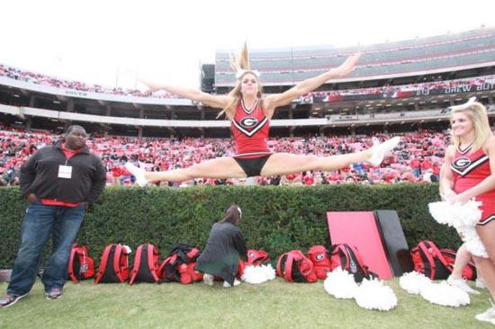 Ασυνήθιστη Cheerleader (10)