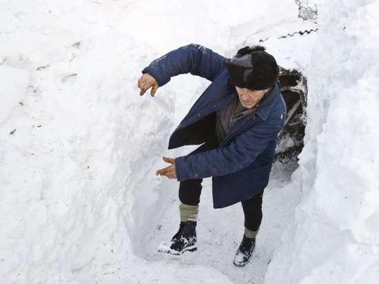 Αυτό θα πει ΠΟΛΥ χιόνι (1)