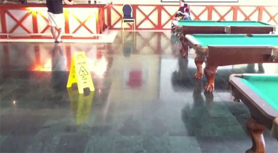 Drifting με ηλεκτρικό αναπηρικό αμαξίδιο (Video)