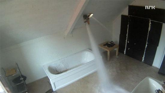 Τι θα συμβεί αν γεμίσεις ένα δωμάτιο με νερό