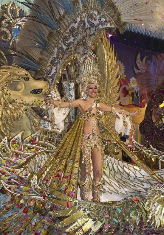 Εντυπωσιακές στολές σε ισπανικό καρναβάλι (2)