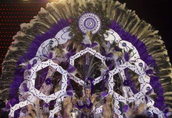Εντυπωσιακές στολές σε ισπανικό καρναβάλι (3)
