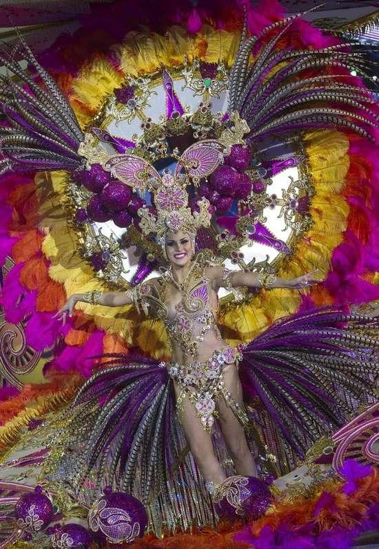 Εντυπωσιακές στολές σε ισπανικό καρναβάλι (5)