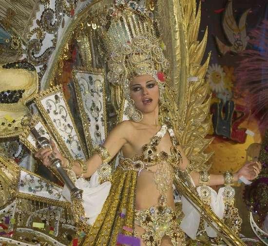 Εντυπωσιακές στολές σε ισπανικό καρναβάλι (6)