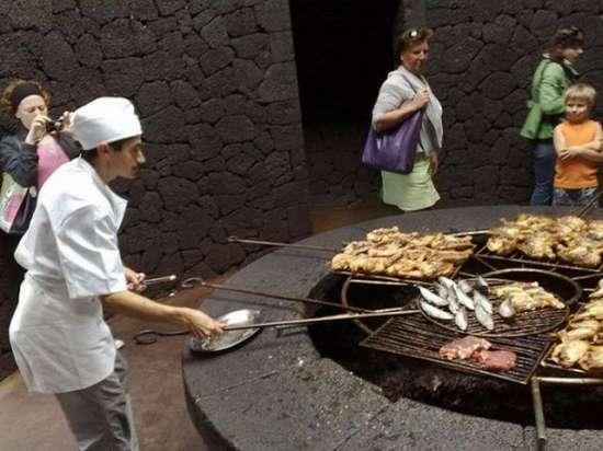 Εστιατόριο πάνω σε ηφαίστειο (7)