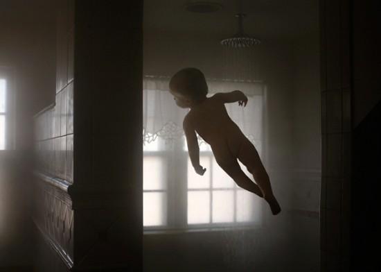 Το ιπτάμενο μωρό (9)