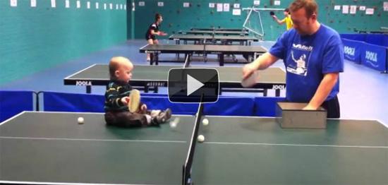 Μωρό - Μελλοντικός πρωταθλητής στο Ping Pong