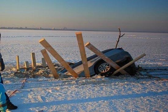 Οδήγηση στην παγωμένη λίμνη (2)