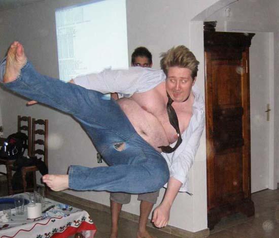 Φωτογραφίες από πάρτι τραβηγμένες την κατάλληλη στιγμή (1)