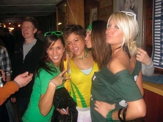 Φωτογραφίες από πάρτι τραβηγμένες την κατάλληλη στιγμή (13)